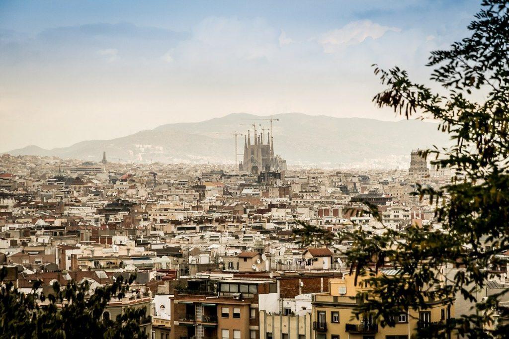 Dlaczego warto kupić apartament w Hiszpanii?