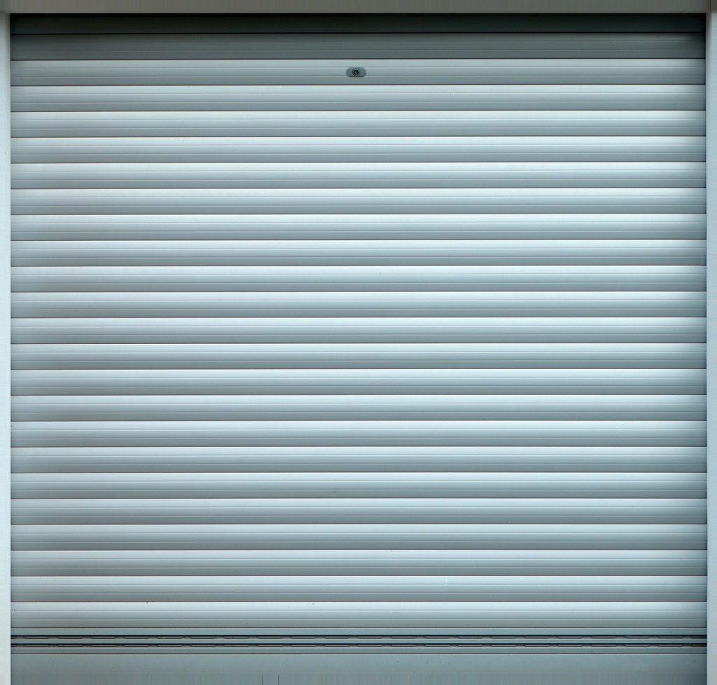 Nowoczesne garaże - czyli garaż z płyt warstwowych