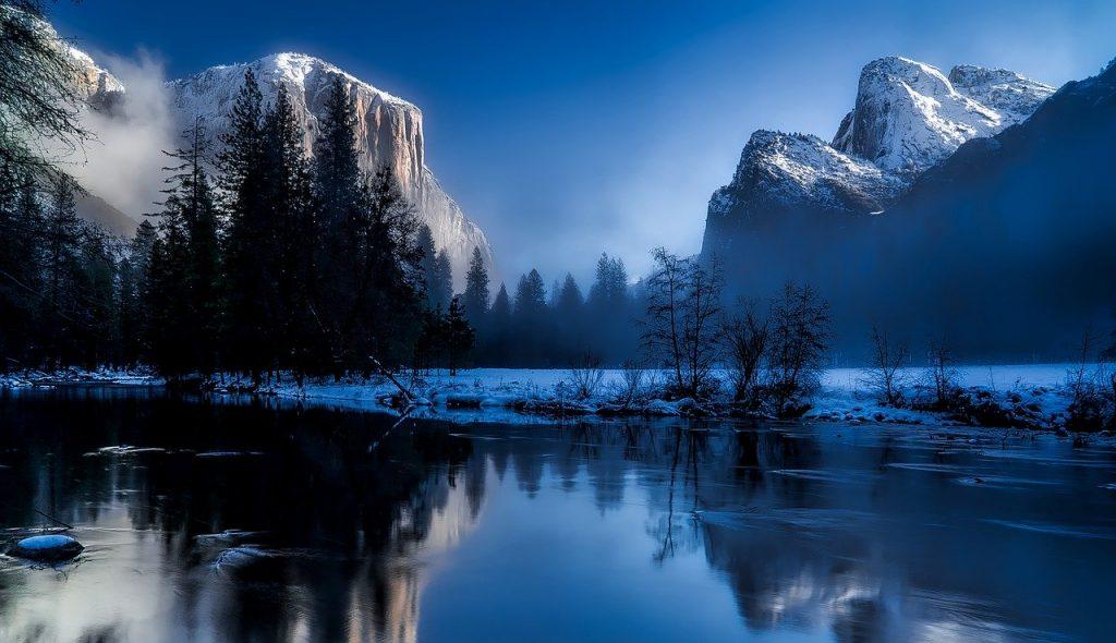 Jedź w góry i zobacz naturę w jej najbardziej surowym pięknie