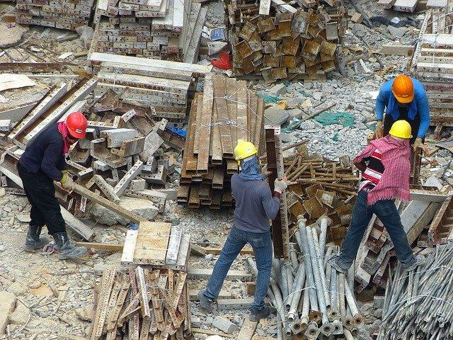 Korzyści wynikające z używania odzieży ochronnej w miejscu pracy