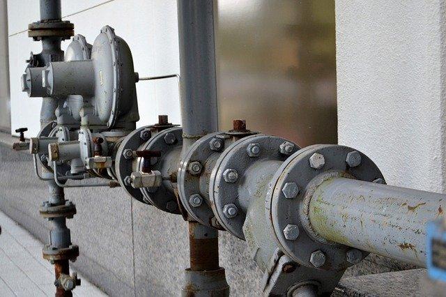 Poznaj domowe sposoby na udrażnianie kanalizacji